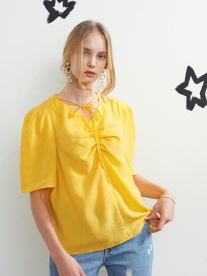[VEM.VER] SHIRRING POINT HALF SLEEVE BLOUSE (YELLOW)