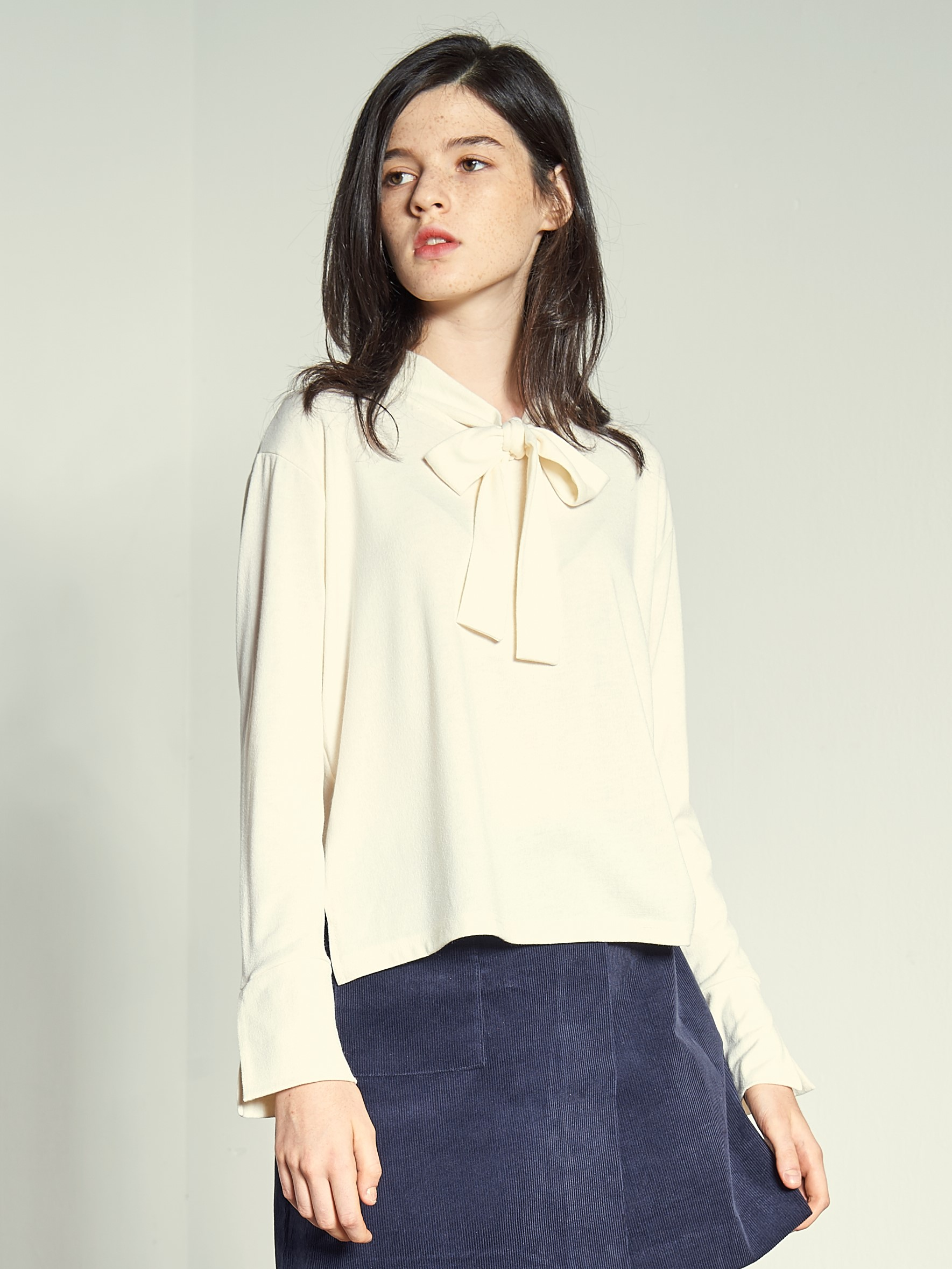 [VEMVER] NECK STRAP SLEEVES TOP (IVORY)