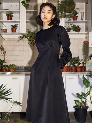 [oh.L] TUCK POINT LINE DRESS (BLACK)