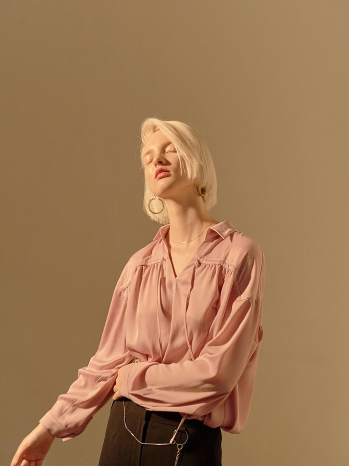 [OH.L]STRING POINT SHIRRING BLOUSE_LIGHT PINK
